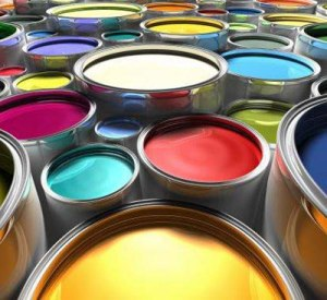 Potes de tintas coloridas